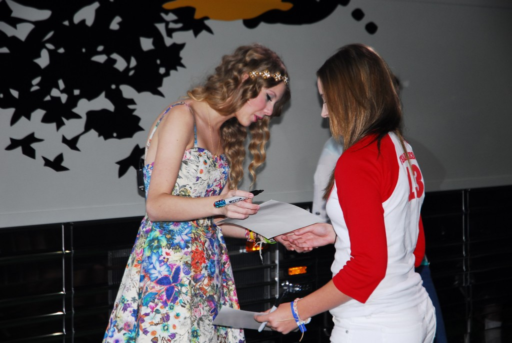 Taylor swift hosts 145 hour meet greet sounds like nashville ca taylor swifts 13 hour meet greet on sunday during the cma music festival turned into an epic 145 hour event swift signed autographs and posed with fans m4hsunfo