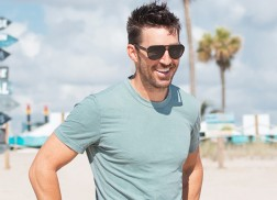 Jake Owen Partners with Florida Governor Rick Scott for Hurricane Irma Relief