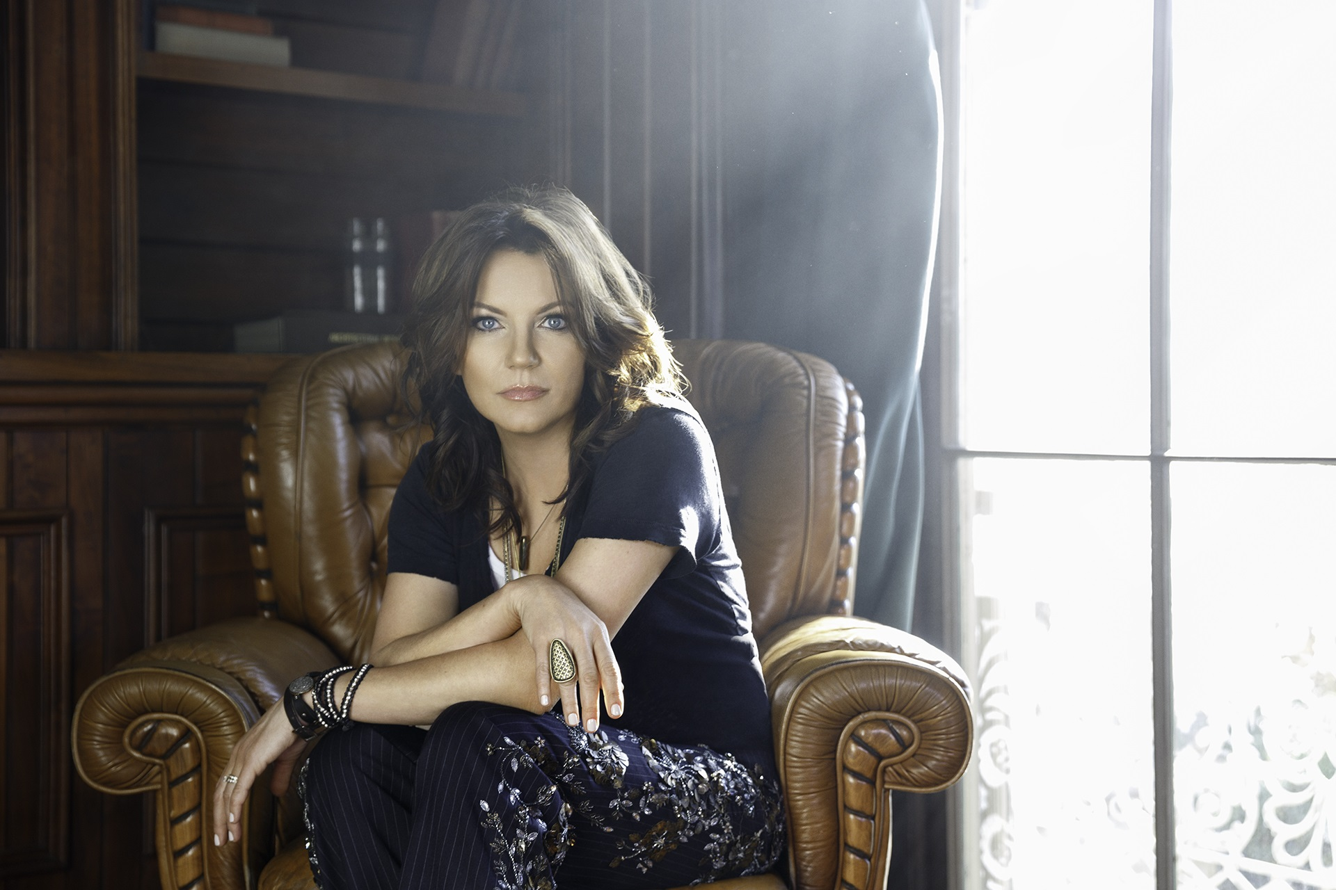 Martina McBride Shares Details About Upcoming Holiday Album