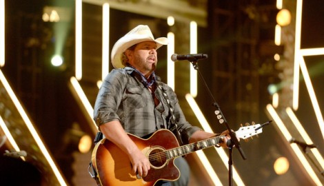 Toby Keith Pays Tribute to Merle Haggard at ACCAs