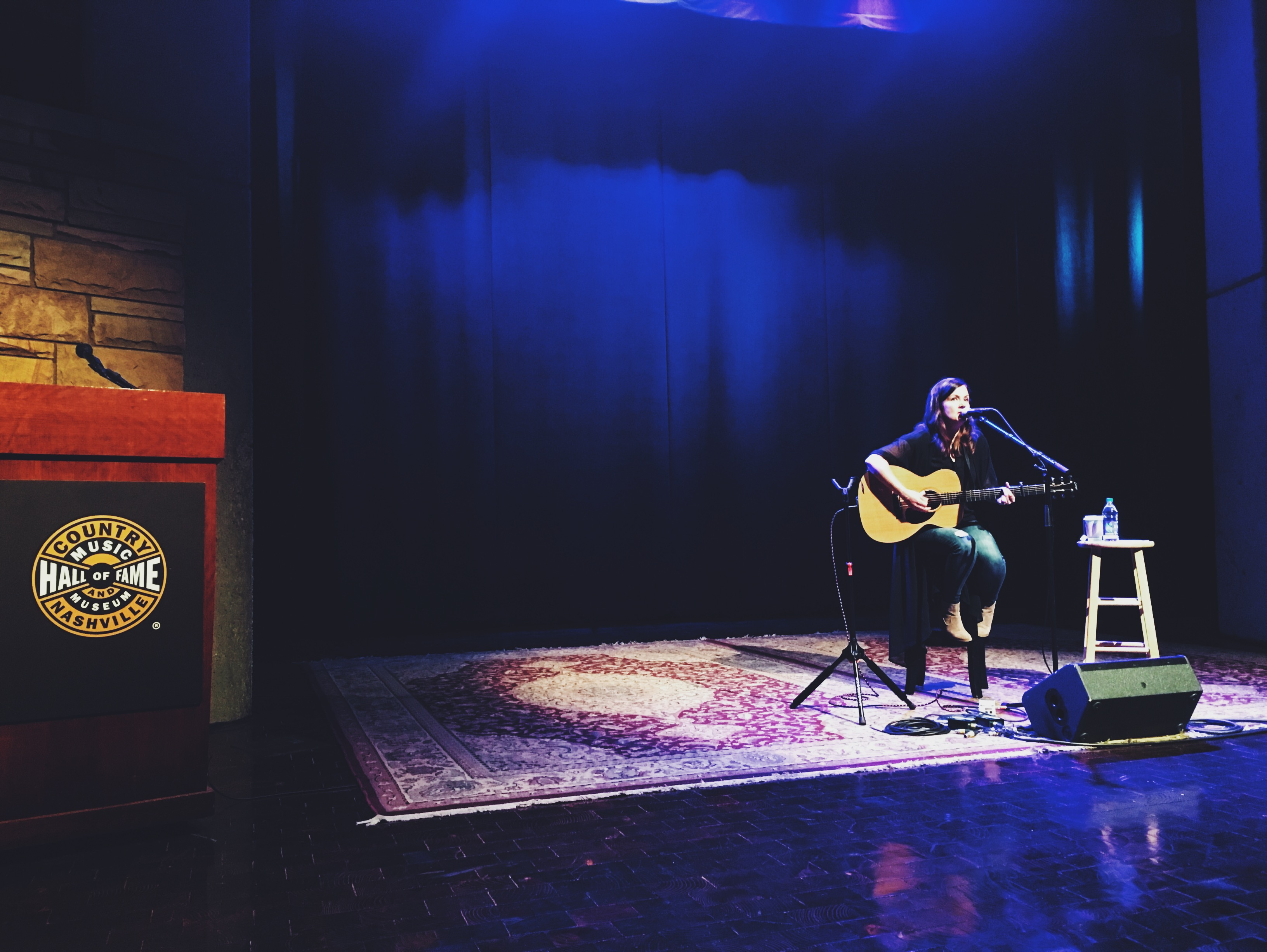 Lori McKenna Shines at Country Music Hall of Fame & Museum's Songwriter Session