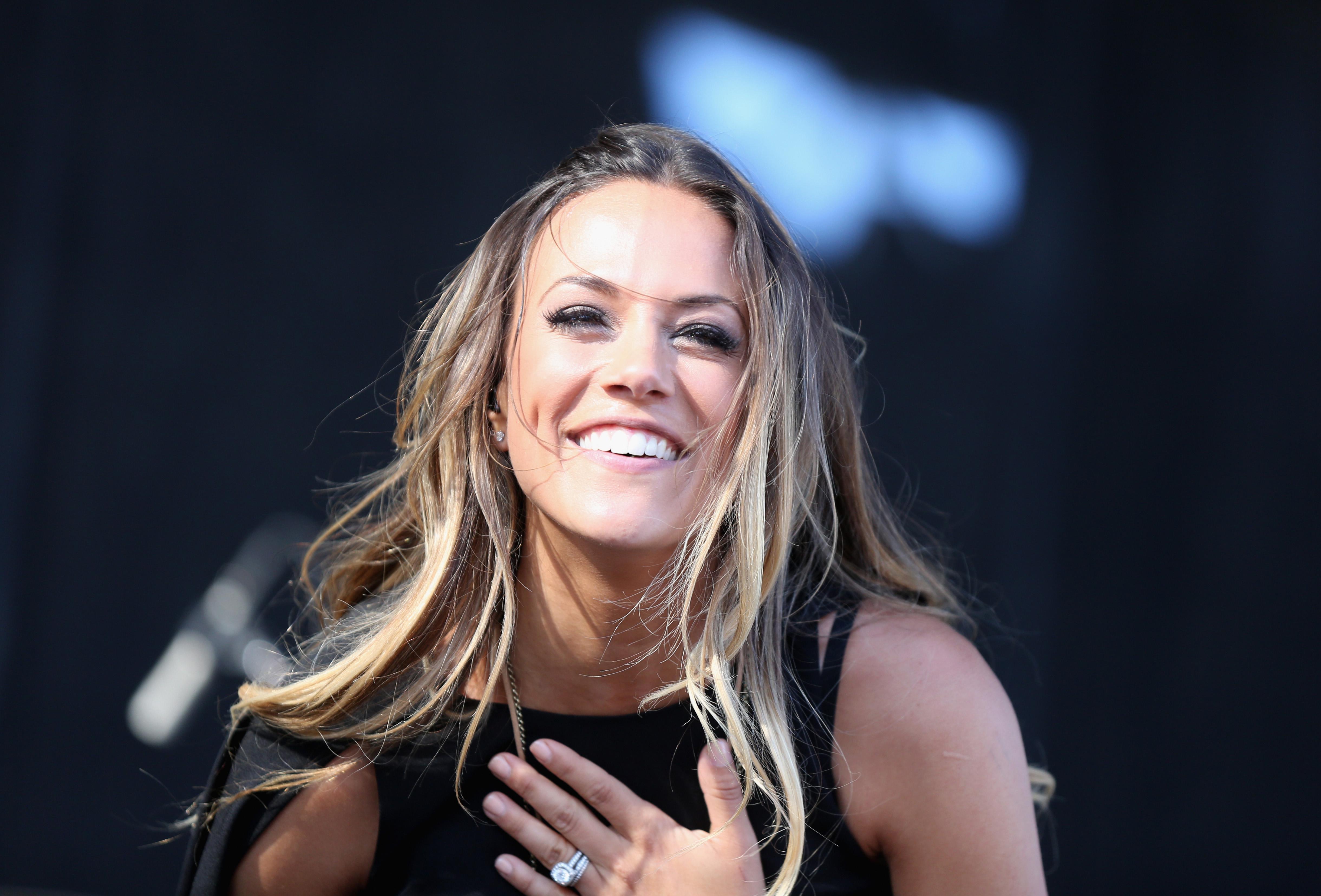 Jana Kramer Selects 'Personal Song' 'Circles' as New Single