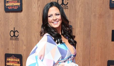Sara Evans Talks New Record Deal, New Music and More