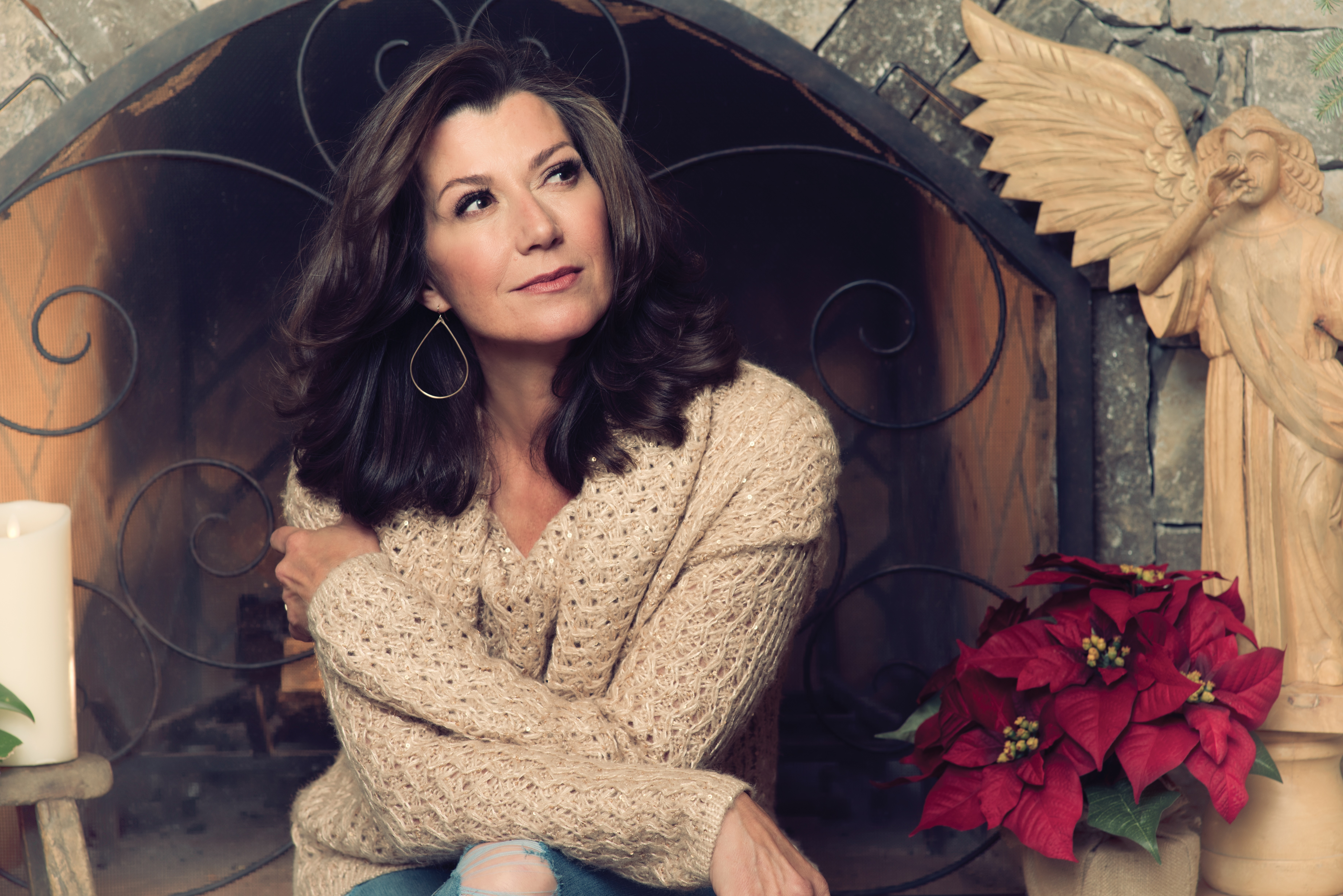 Amy Grant to Release First Christmas Album in Almost 20 Years ...