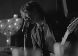 Keith Urban Premieres 'Blue Ain't Your Color' Music Video