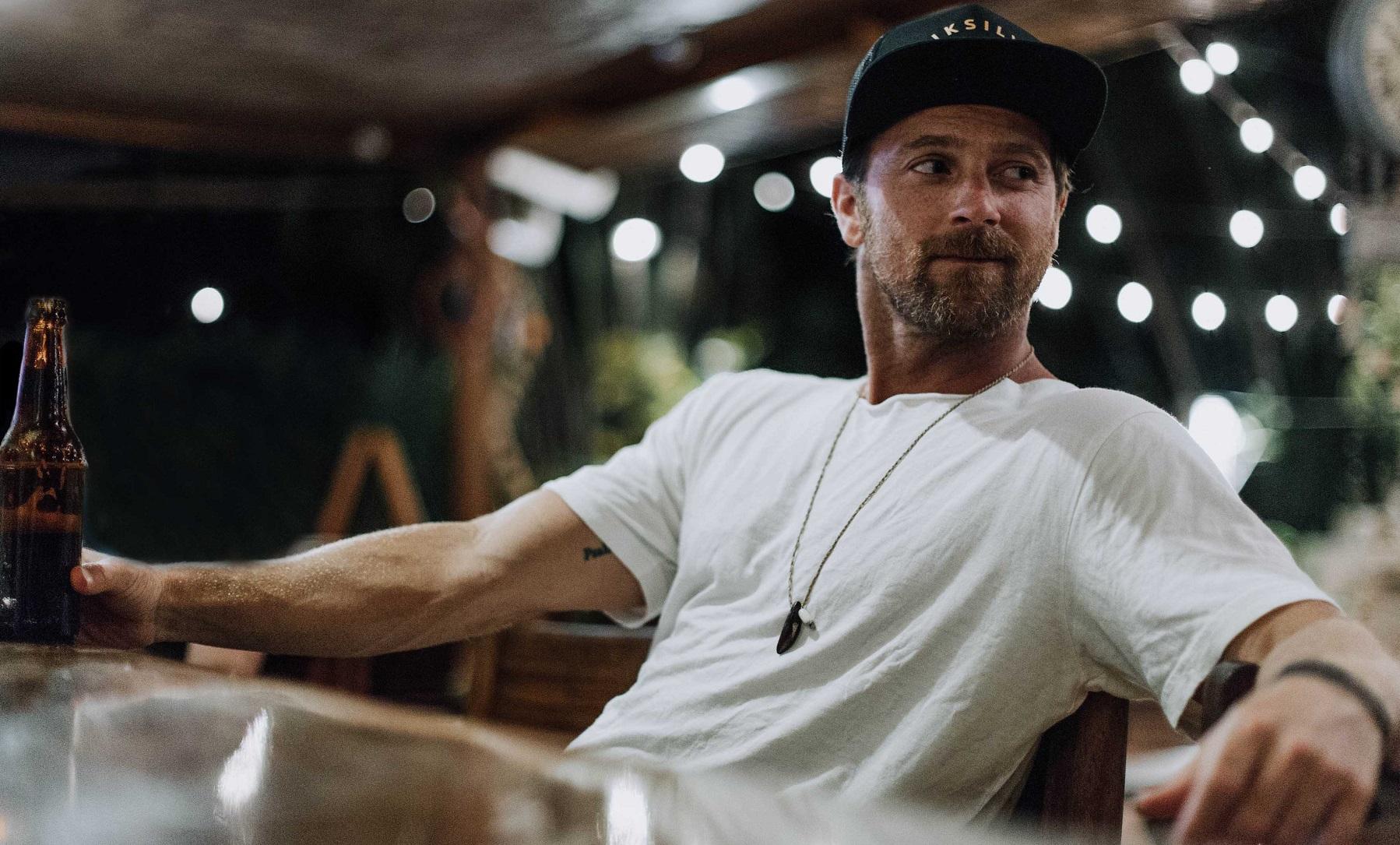 Kip Moore Announces Third Studio Album, 'SLOWHEART'