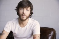 Chris Janson is Setting Summer Vibes with 'Fix a Drink' EP