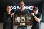 Brett Young's 'In Case You Didn't Know' Goes Platinum