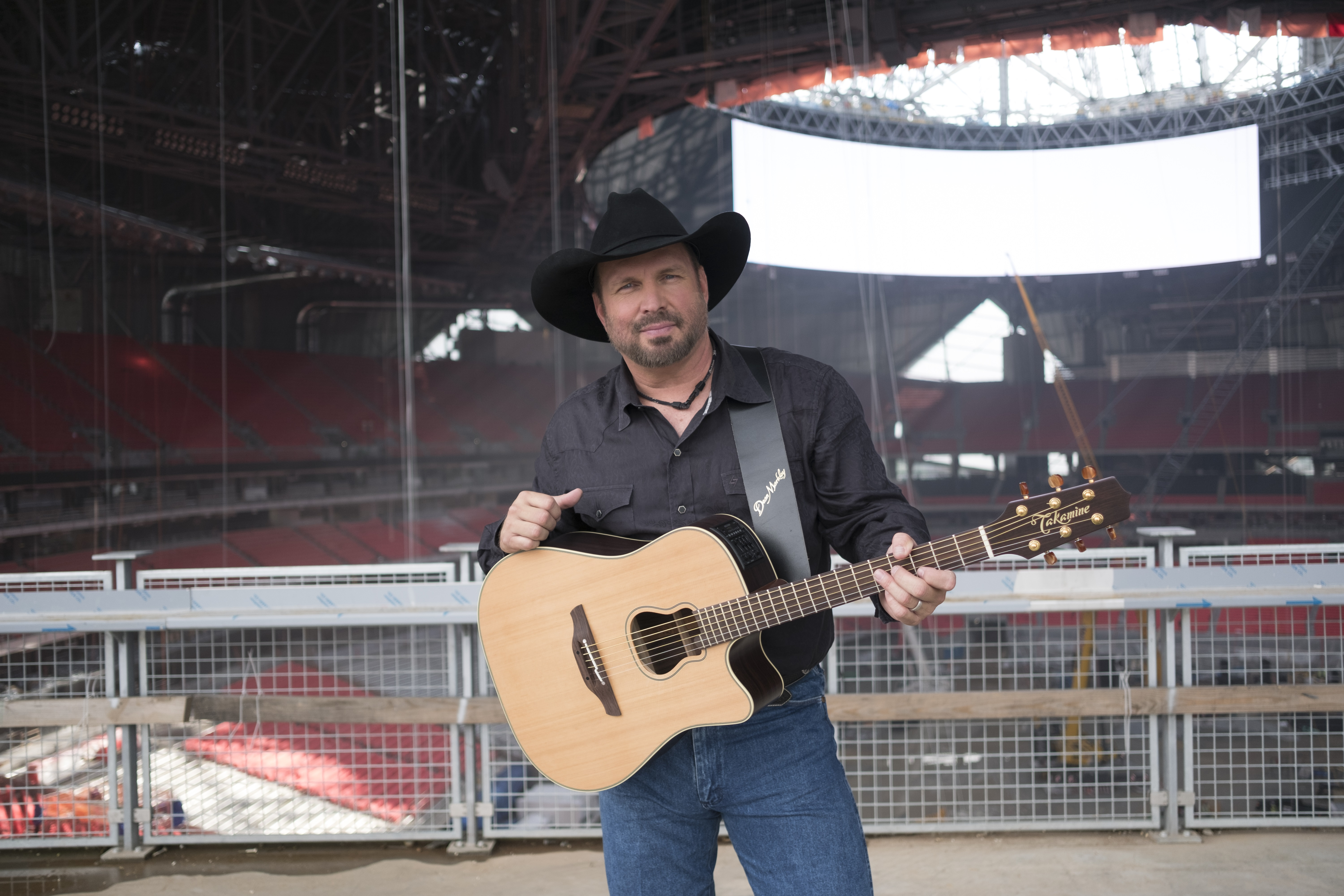 Garth Brooks to Headline the First-Ever Concert in Notre Dame's Stadium