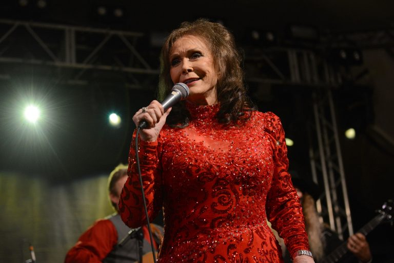 Loretta Lynn Will Ring in 87th Birthday With Star-Studded Tribute Concert