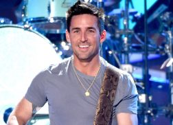 Jake Owen Divides Twitter After Announcing Plans To Grow His Hair Back Out