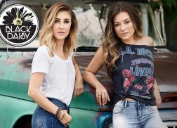 Maddie & Tae Team Up with ONE Jeanswear to New Demin Brand