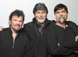 Alabama to Release First New Christmas Album in 21 Years