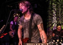 Keith Urban Surprises Nashville Again with Secret Pop-Up Show