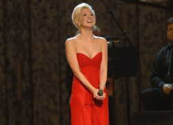 Remember When Kellie Pickler Made the Entire CMA Awards Audience Cry?