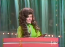 Remember When Loretta Lynn Became the First Female CMA Entertainer of the Year?