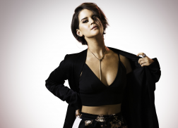 Maren Morris Scores No.1 With 'I Could Use A Love Song'