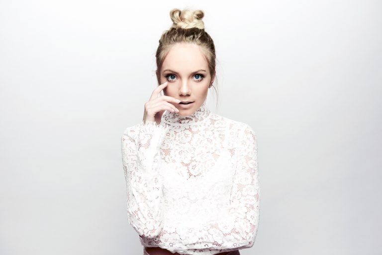 Danielle Bradbery's New Year's Resolution Includes a New Language Skill