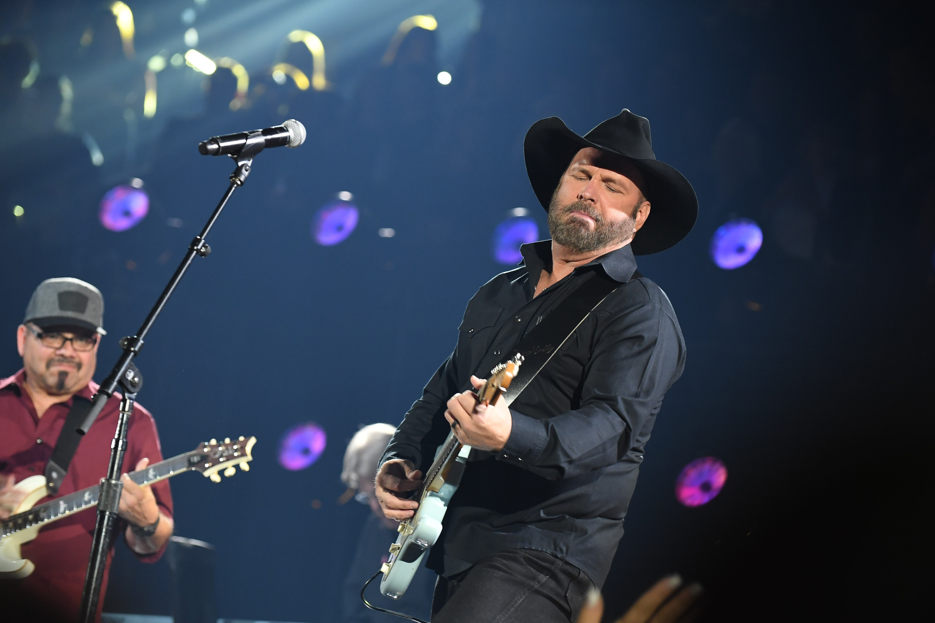 Garth Brooks Honored as First Inductee to Live Hall of Fame