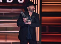 Garth Brooks Earns Prestigious Honor of CMA Entertainer of the Year