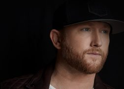 Cole Swindell Plays the Hopeless Romantic in 'Break Up in the End'