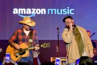 Garth Brooks Joins Jason Aldean for 'Friends in Low Places' Performance