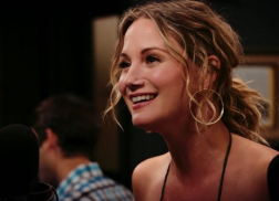 Jennifer Nettles Belts Out 'As Long As You're Mine' From 'Wicked'