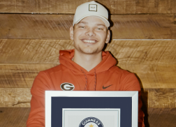 Kane Brown Earns New Guinness World Record Title