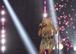 Carrie Underwood to Headline Live In The Vineyard Goes Country Festival
