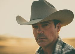 Clay Walker Finds Deep Passion Within 'Working on Me'