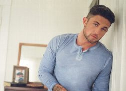 Michael Ray Embraces the 'One That Got Away' In New Feel-Good Song