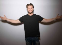 Adam Doleac Honors Parents Through Song in 'Mom and Daddy's Money'