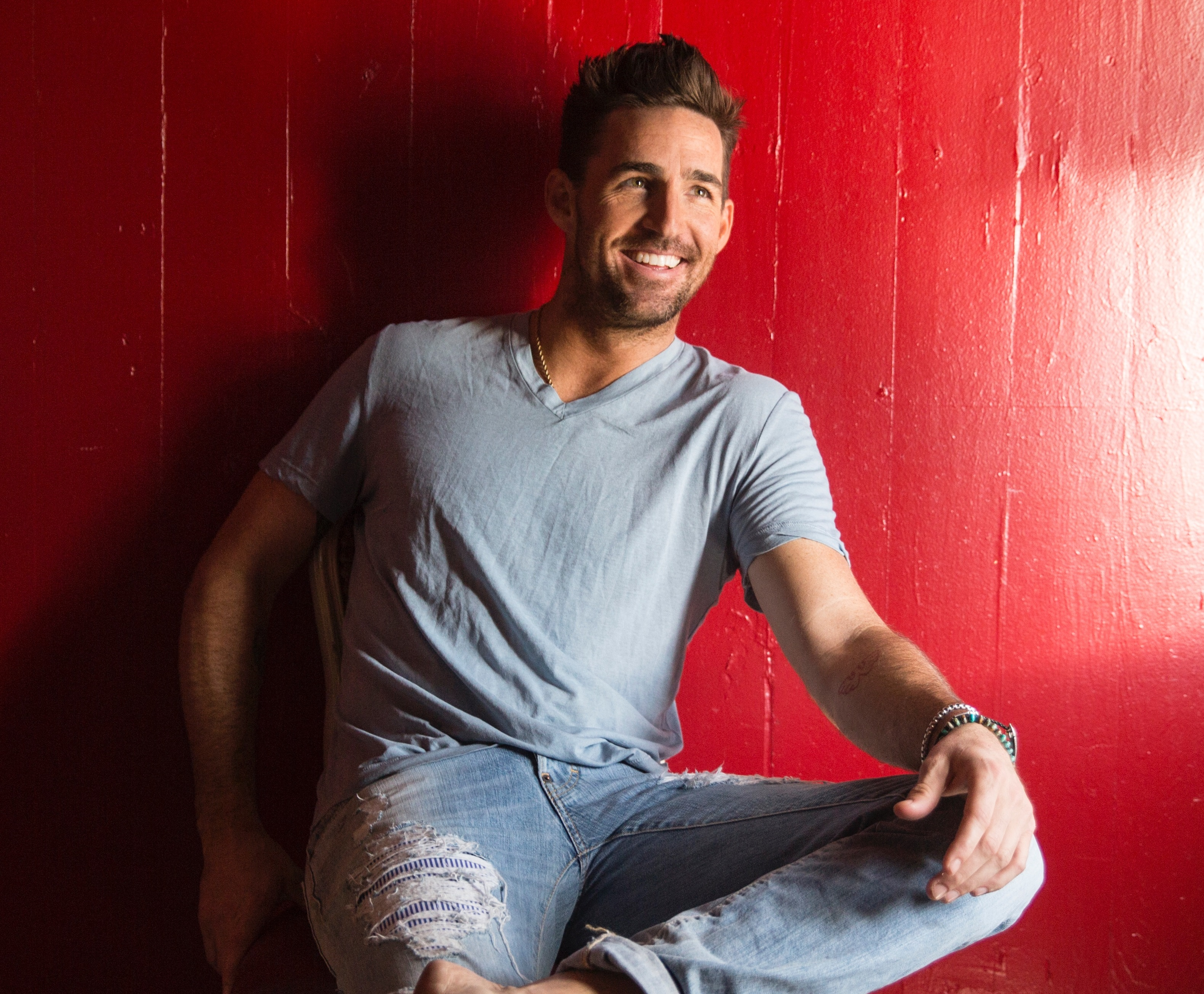 Jake Owen On His Long Career of Feel-Good Songs: 'I Like Being Happy, I Like My Fans to Be Happy'