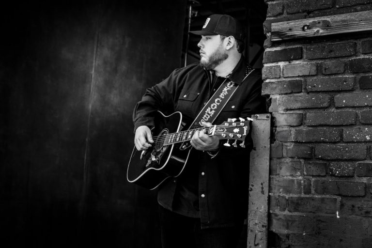 Luke Combs Reveals Plans for Five-Song 'The Prequel' EP