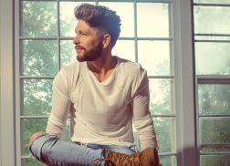 Chris Lane's <em>Laps Around the Sun</em> Reflects Growth, Clarity