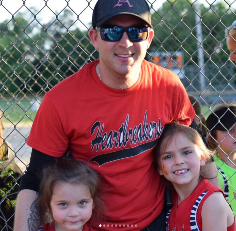 Justin Moore Will Be Coaching His Daughter's Softball Team on Father's Day