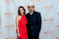Brad Paisley and Wife to Open Free Grocery Store for Those in Need