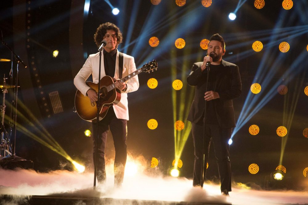 Dan + Shay to Headline Benefit Concert for Pittsburgh's Tree of Life Synagogue
