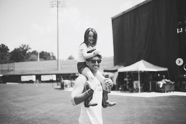 Jake Owen's Daughter Pearl Will Be 'A Great Sister,' Says Proud Dad