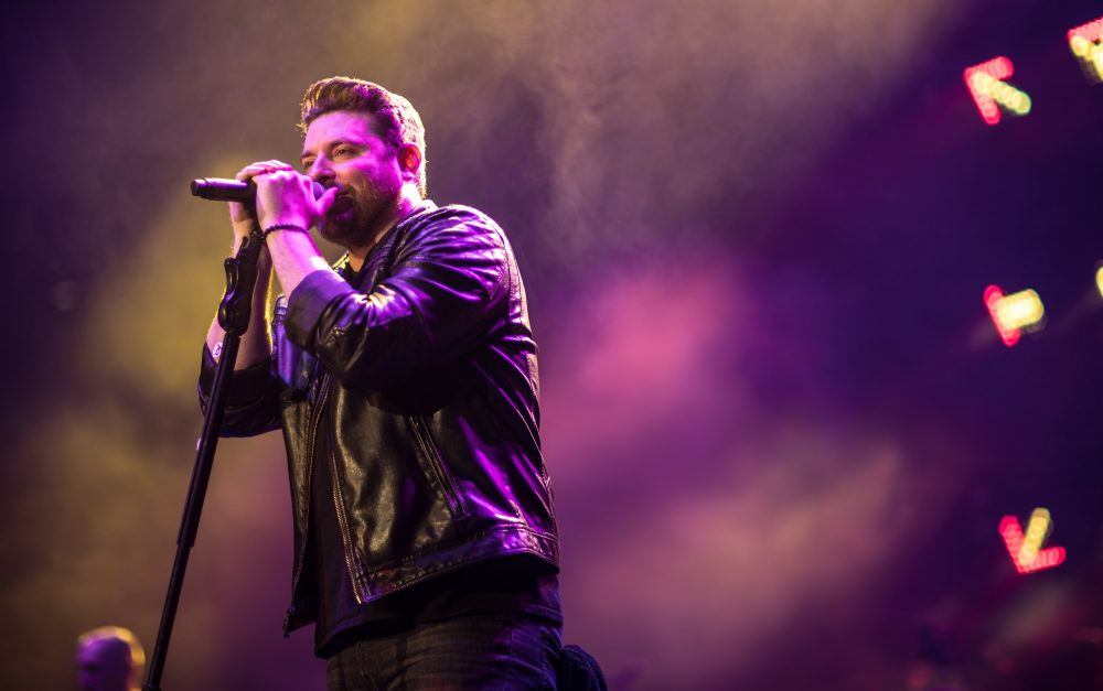 Chris Young Announces 2019 Raised On Country Tour