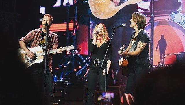 Miranda Lambert, Keith Urban Surprise Fans at Dierks Bentley's Nashville Concert
