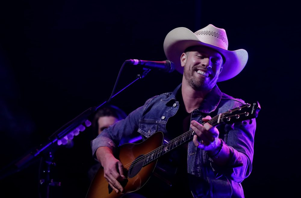 Dustin Lynch is Gearing Up for 2019 Very Hot Summer Tour