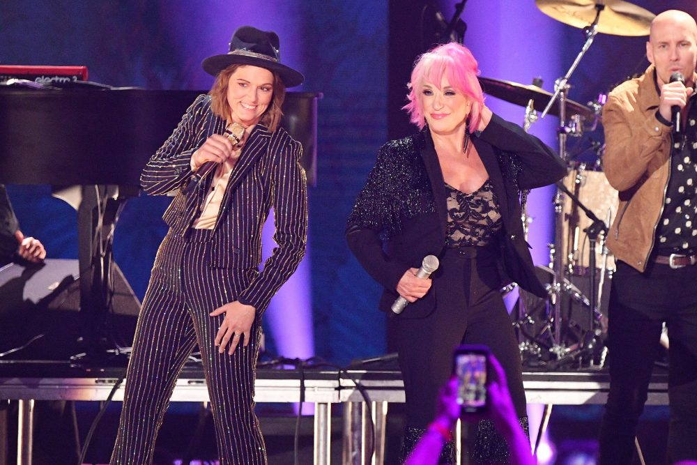 Tanya Tucker And Brandi Carlile Team Up For Duet On CMT Awards Stage
